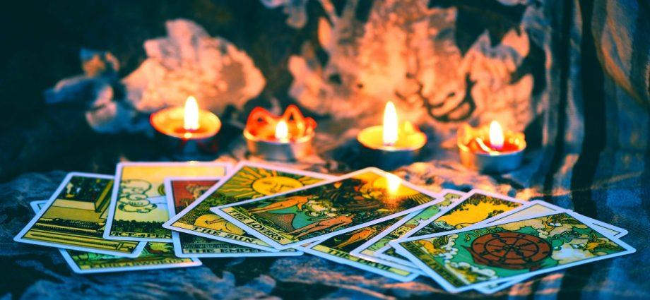 What The Pentagon Can Teach You About Tarot Card Reading